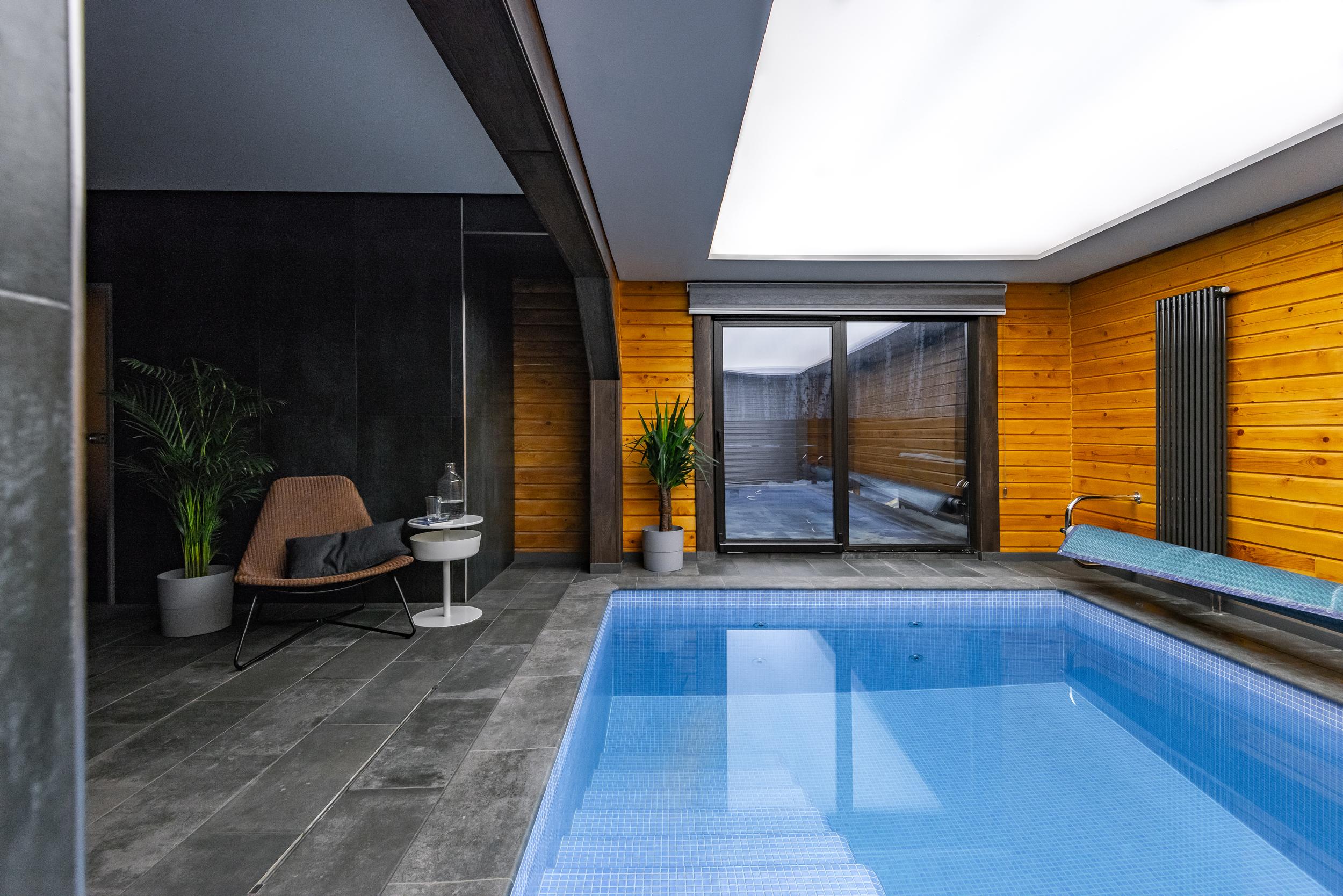 реализованный проект с плиткой италон челябинск плитка под дерево в проекте гостиной